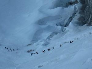 Väggen på Island Peak sett från nära toppen