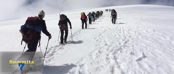 Klättra Elbrus med Adventure Lovers