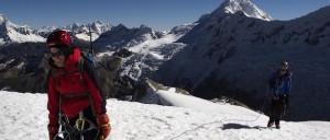 Klättra Ishinca Peak